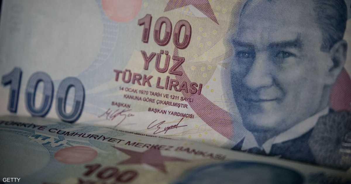 """الليرة التركية تواصل """"سقوطها الحر"""" نحو أدنى مستوى لها"""