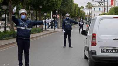 رئيس الوزراء التونسي يحسم الجدل بشأن العودة للحجر العام