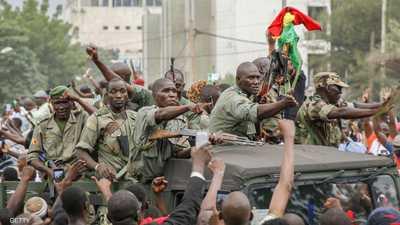 """وسطاء """"غرب أفريقيا"""" يصلون إلى مالي سعيا للتراجع عن الانقلاب"""
