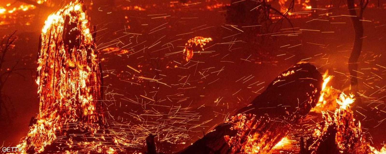 حرائق ضخمة بمدينة جامو في كاليفورنيا