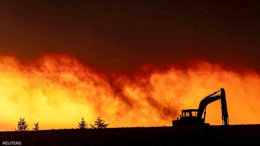 أتت النيران على آلاف المنازل خلال الأيام الماضية في أوريغون التي أصبحت أحدث بؤرة لحرائق امتدت على نطاق أوسع بمناطق بالغرب الأميركي.