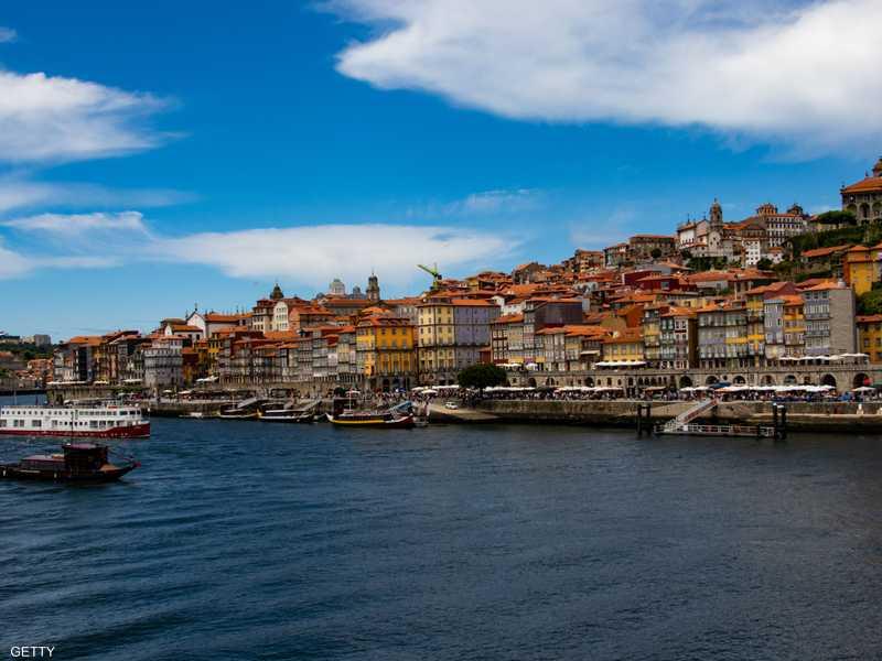 قال وزير الداخلية إن البرتغال تعاني نقصا في العمالة