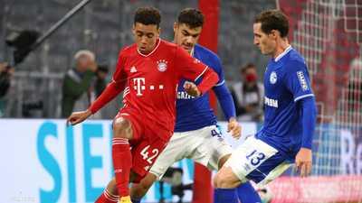 بايرن يمزق شباك شالكه بثمانية أهداف في افتتاح دوري ألمانيا