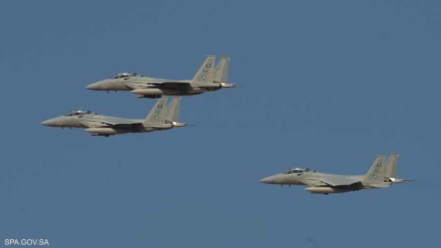 تشكيلات من صقور سلاح الجو السعودي في سماء الرياض