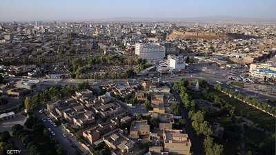 صورة تهز كردستان العراق..مسنّة كردية ترتمي أرضا بسبب الإعياء