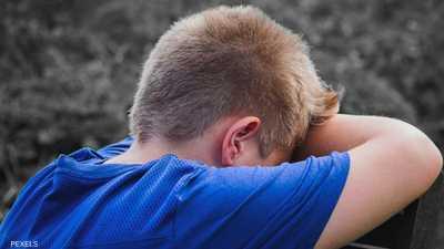"""""""إشارات سرية"""" تنقذ طفلا من قسوة أبويه.. وفيديو يروي ما حدث"""