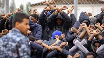 من حلم إلى كابوس.. قصة المهاجرين العالقين بليبيا