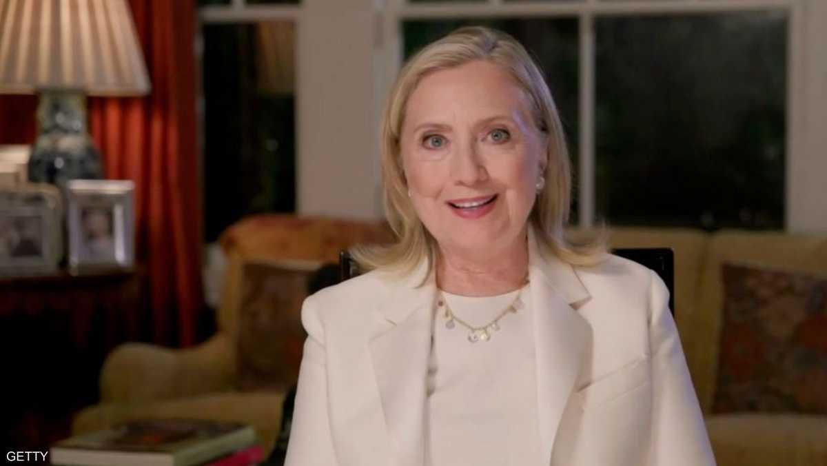 هيلاري زارت قناة الجزيرة في 2010، واجتمعت مع وضاح خنفر