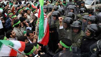 """أسرار كلينتون.. كيف أحبطت واشنطن """"الثورة الخضراء"""" بإيران؟"""