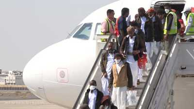 وصول الدفعة الأخيرة من أسرى الحكومة اليمنية المحررين لعدن