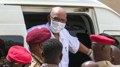 مصير البشير.. السودان يقدم 3 مقترحات للجنائية الدولية