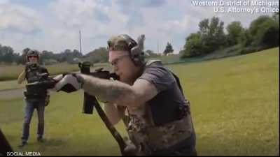 ميليشيا أميركية تتدرب على إطلاق النار