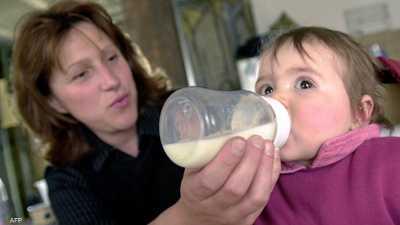 """دراسة مخبرية تكشفُ مادة """"خطيرة"""" في رضاعات الأطفال"""