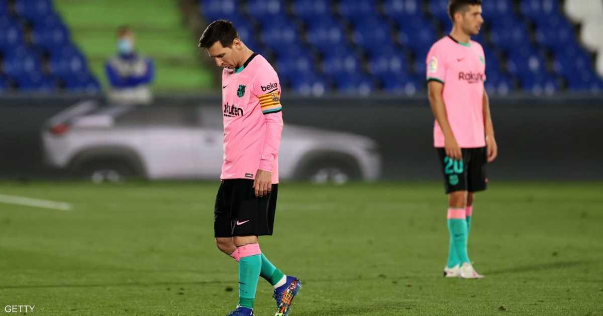 برشلونة يواجه خطر الإفلاس إن لم يقطع رواتب اللاعبين