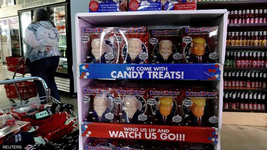 الحلوى السياسية.. ترامب وبايدن على هيئة سكاكر في أرفف المحال التجارية.
