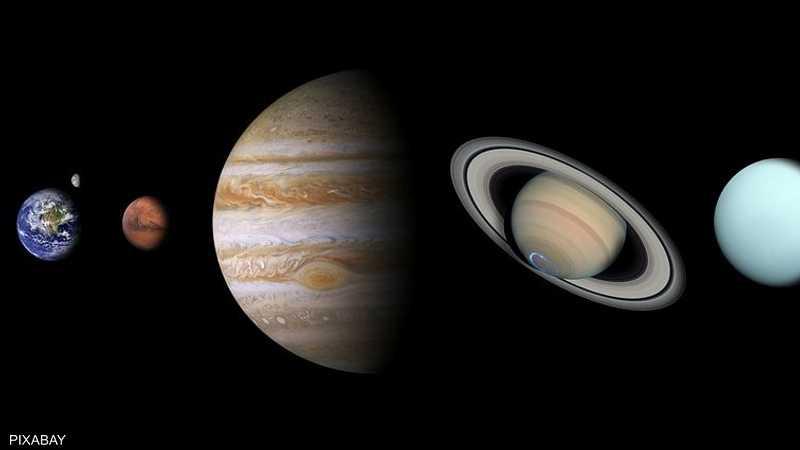 المشتري وزحل أكبر كواكب المجموعة الشمسية