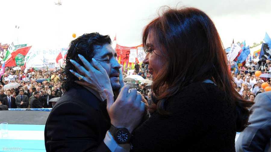 مع الرئيسة الأرجنتينية السابقة كريستينا دي كيرشنر