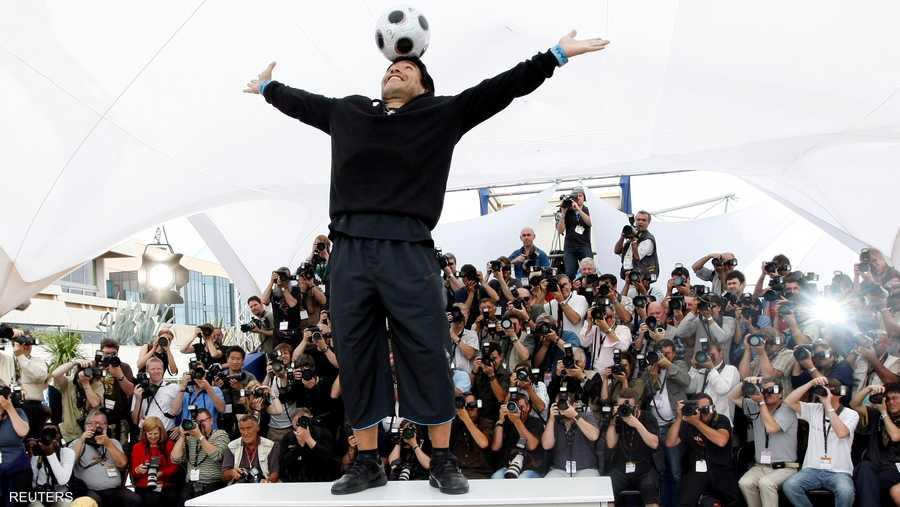ظل مارادونا محتفظا بإبداعه الكروي حتى بعد اعتزاله