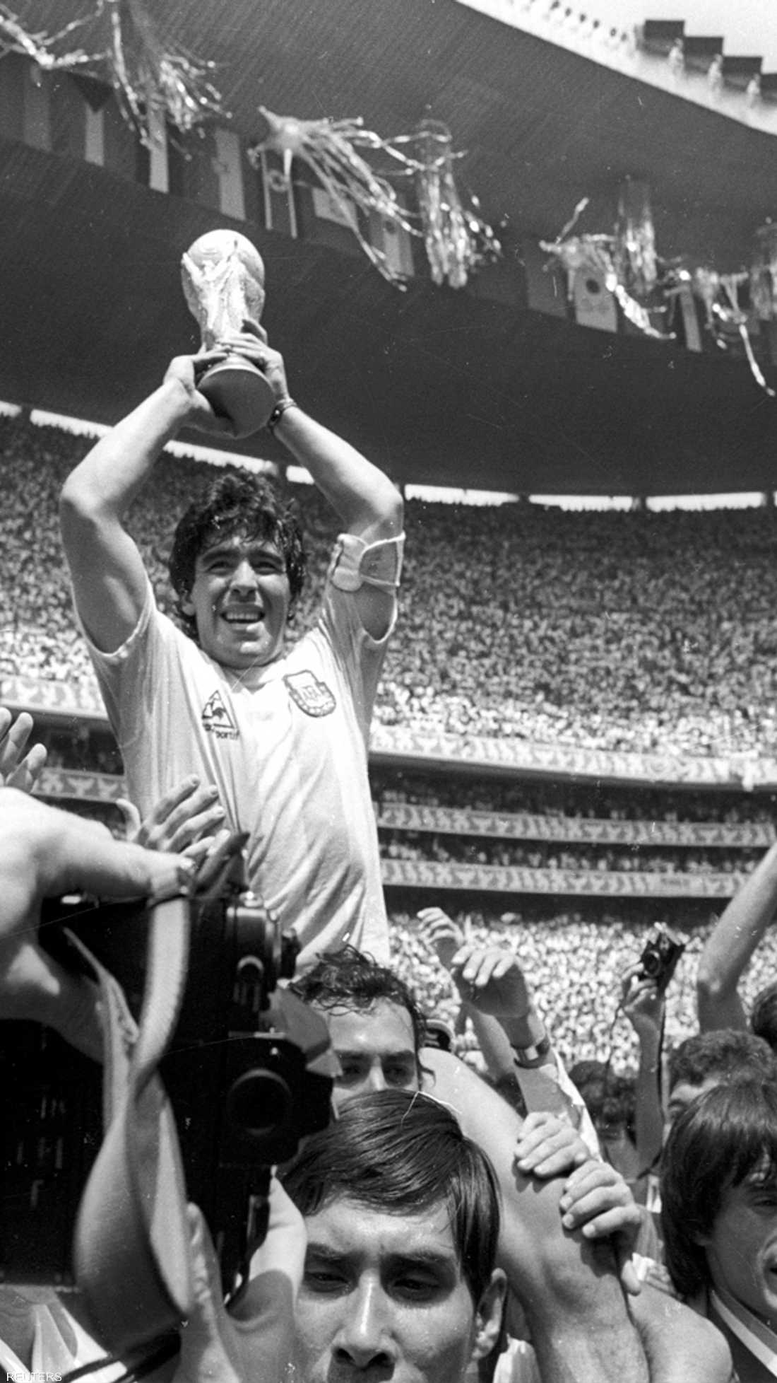 لحظة لا تنسى.. التتويج بكأس العالم عام 1986