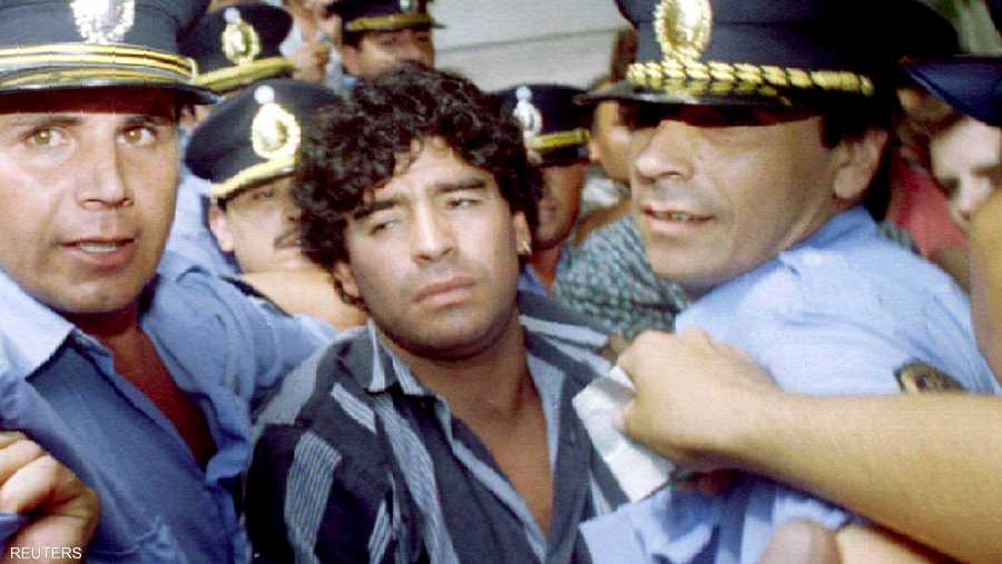شهدت حياة مارادونا مشكلات مثل المخدرات والعنف