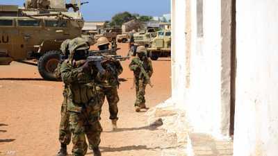 """""""تضييق الخناق"""".. غارات جديدة على معاقل """"الشباب"""" بالصومال"""
