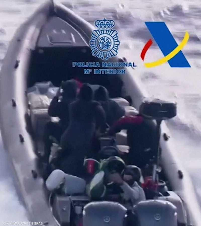 شرطة إسبانيا تعتقل مهربي مخدرات في البحر المتوسط