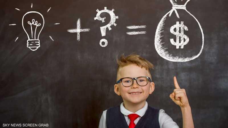 كيف نعلم أطفالنا مهارات إدارة المال؟