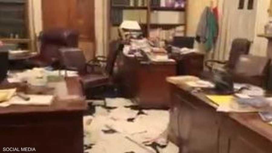 عاث المقتحمون فسادا في مكاتب الكونغرس