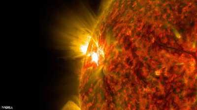 عاصفة شمسية تضرب الأرض.. هل تؤثر على الاتصالات؟