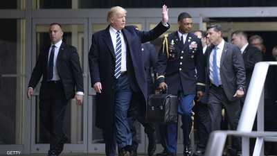 بعد فوضى الكابيتول.. ترامب في أول رحلة برفقة الحقيبة النووية