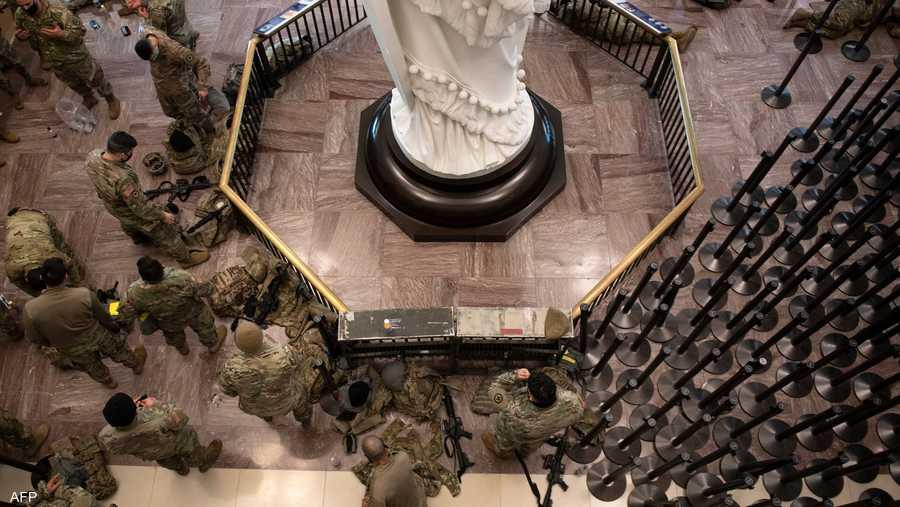 الجيش والقوات الجوية يدير الحرس الوطني تحت إشراف وزارة الدفاع