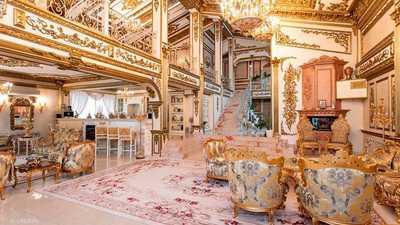 """قصر """"مطلي بالذهب"""" للبيع.. ومشكلة واحدة تواجه من يشتريه"""