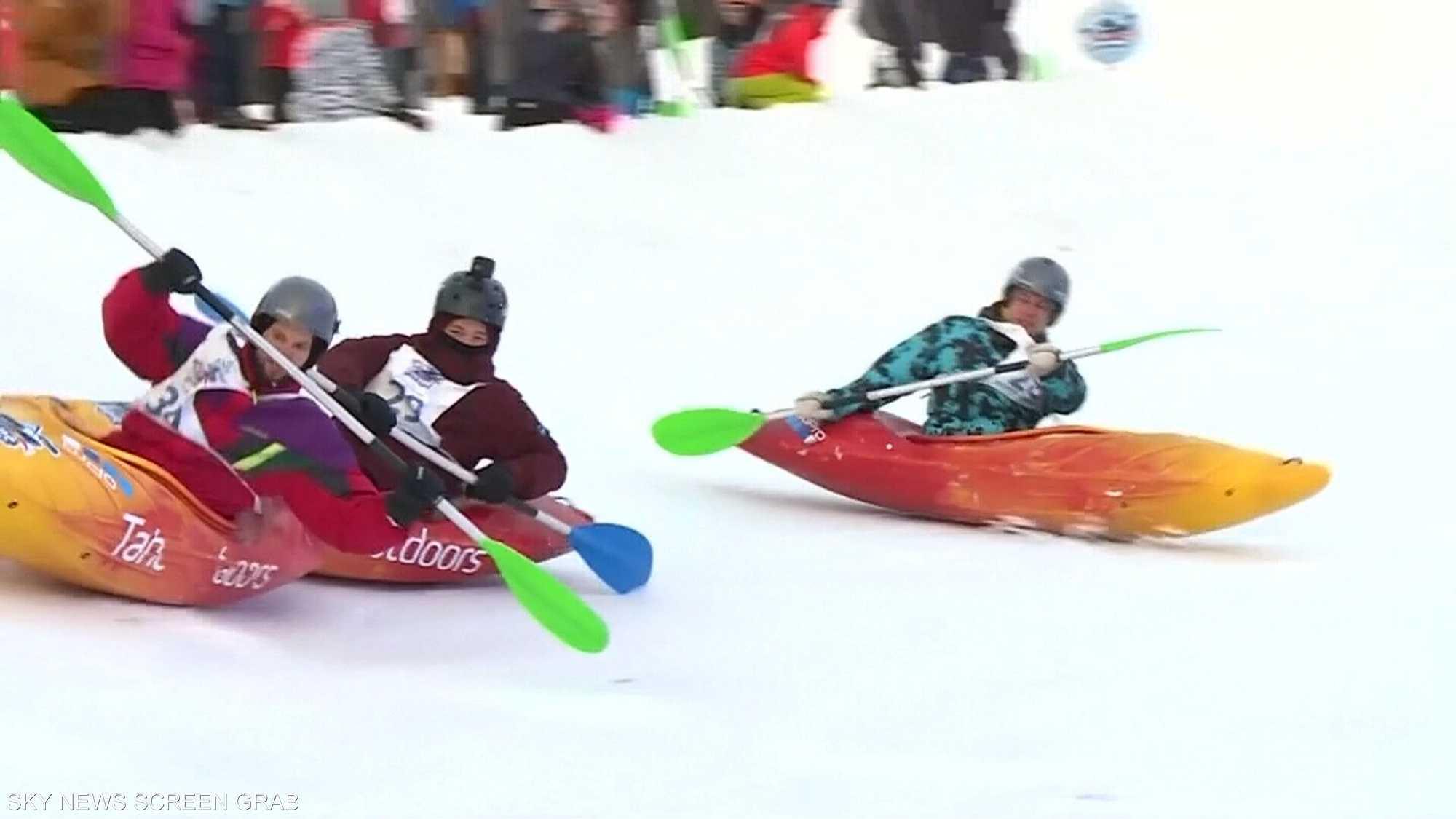 قوارب الكاياك توفر وسيلة جديدة للتزلج على الجليد
