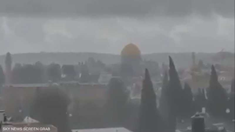 الثلوج تكسو مدينتي القدس ورام الله