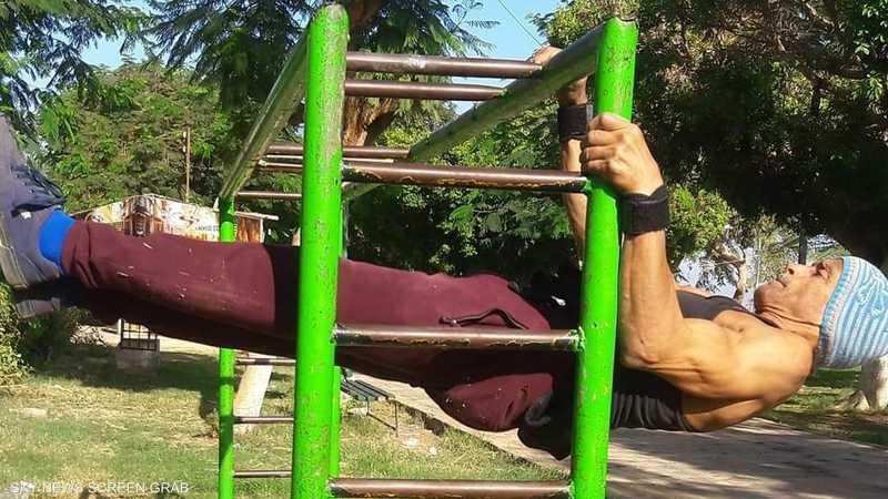 يمارس عبد المهيمن الرياضة لمدة 3 ساعات يوميا
