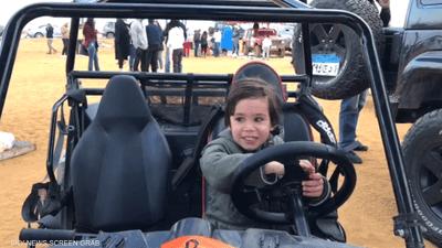 أصغر سائق بمصر يثير الدهشة في الراليات الصحراوية