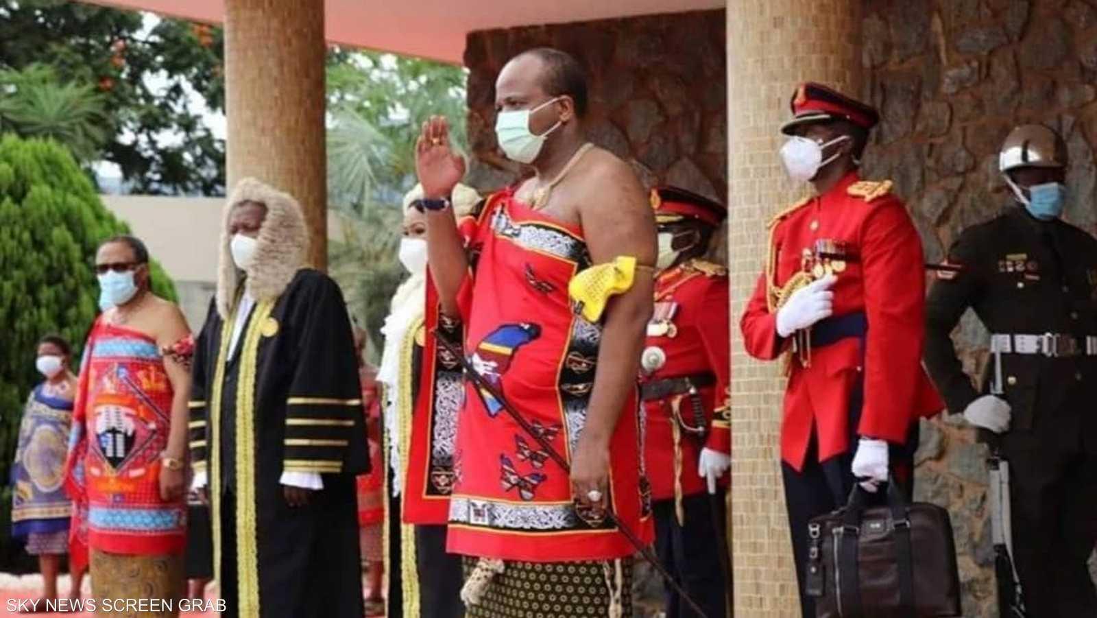 ملك سوازيلاند يلعب دورا مهيمنا في البلاد