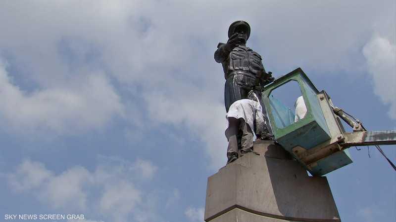 حملة لتنظيف التماثيل في مصر