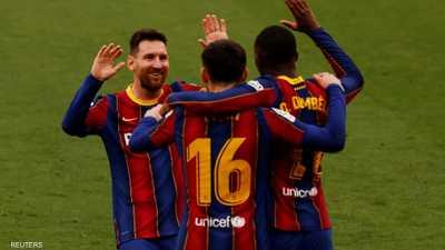 برشلونة يُسقط إشبيلية ويحافظ على آماله في اللقب