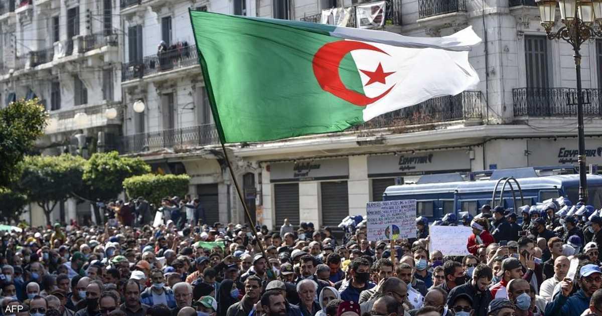 مسيرات تجوب الشوارع الاحتجاجية بعد توقف بسبب جائحة كورونا