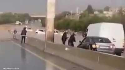 """فيضانات الجزائر.. 6 قتلى وفيديو """"للسيارات العائمة"""""""