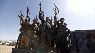 أفراد من ميليشيات الحوثي.