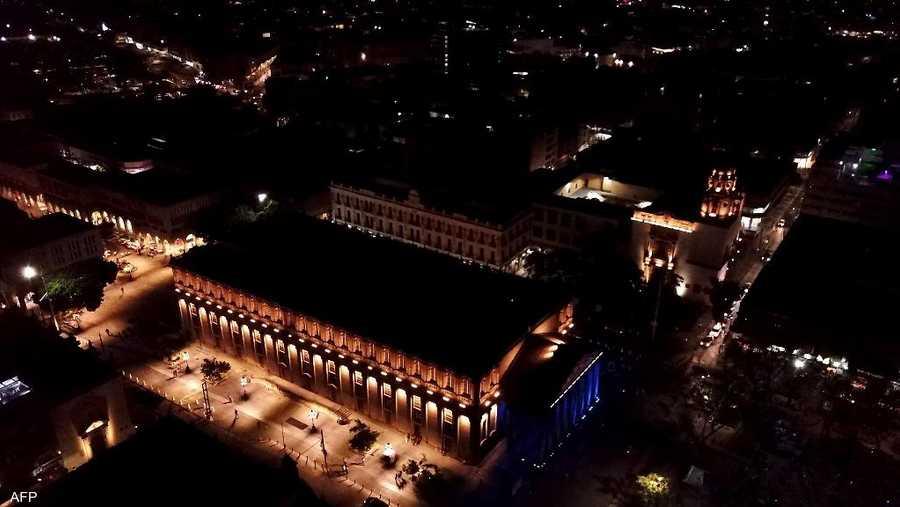 مسرح ديغولادو بالمكسيك قبل إطفاء الأنوار.
