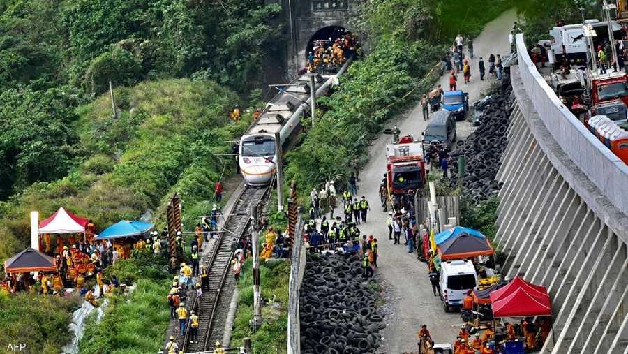 يحظى نظام السكك الحديدية الشاسع في تايوان بشعبية بين الناس الذين يتجنبون الطرق الجبلية الوعرة