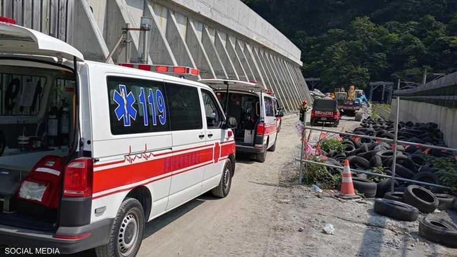 جهود الإنقاذ مستمرة في القطار الذي كان فيه أكثر من 400 راكب