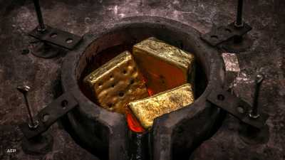 الذهب يصعد مع هبوط الدولار وتراجع سندات الخزانة الأميركية