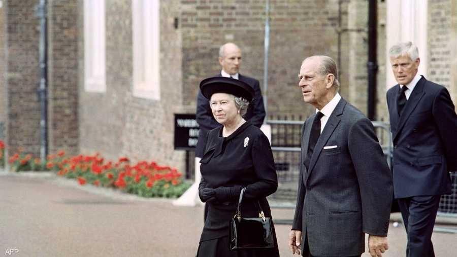 الأمير فيليب كان له تأثير كبير في العلاقات بين أفراد عائلته.
