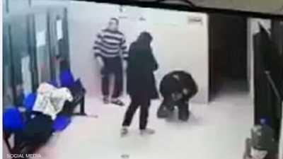 """فيديو مؤثر لإنقاذ طفلة فلسطينية وإشادات بـ""""الطبيب البطل"""""""