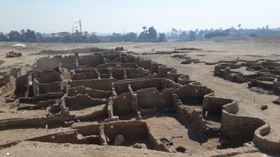 """جدل حول """"إشراقة آتون"""" بمصر.. هل الاكتشاف حقيقة أم ادعاء؟"""