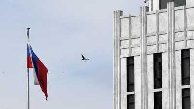 """""""أزمة مشتعلة"""" بين روسيا والتشيك.. وتبادل طرد دبلوماسيين"""